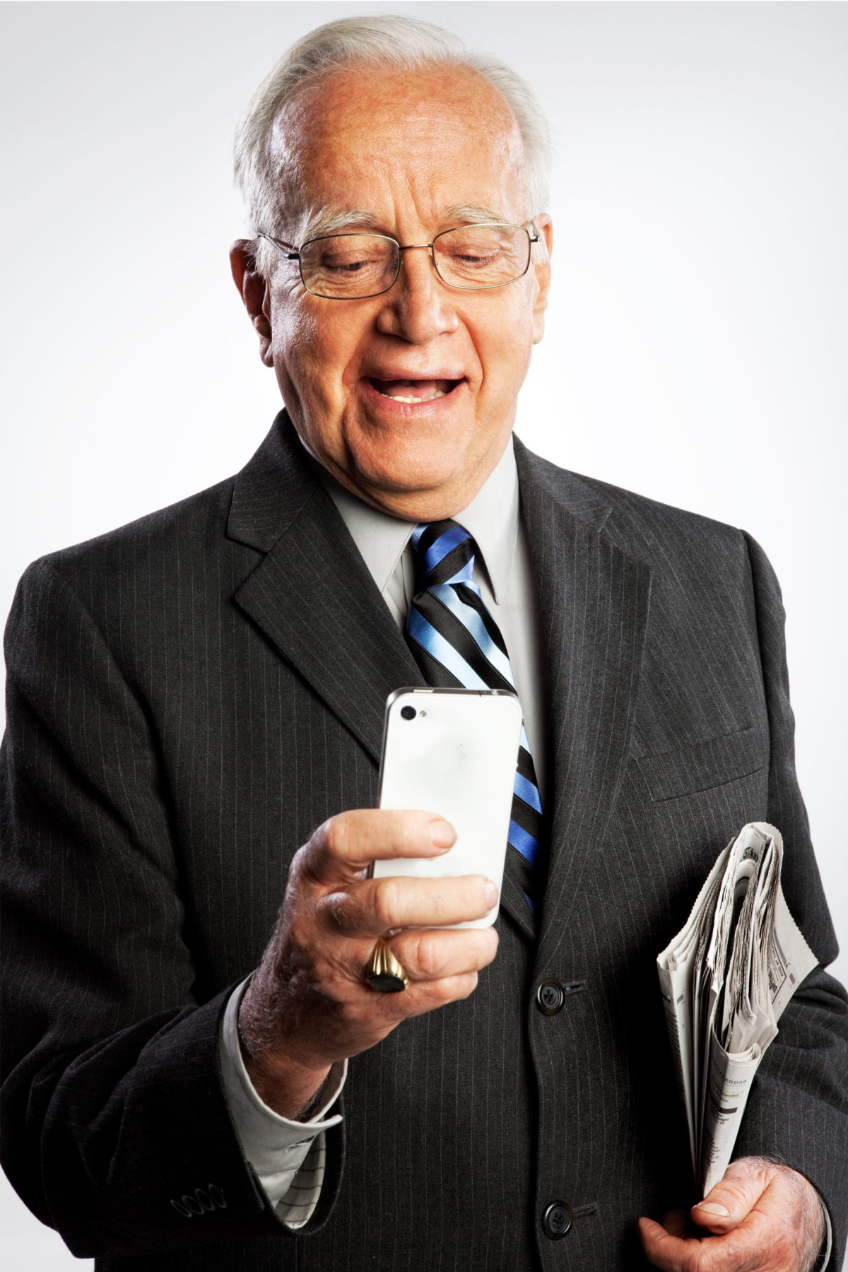 Notre comparatif de smartphones pour personnes âgées